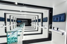 Samsung-pop-up-store-by-Cheil-Germany-Frankfurt-Germany-05
